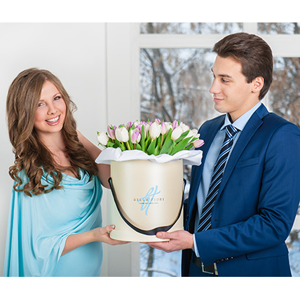 Тюльпаны в коробке от Bella Fiori
