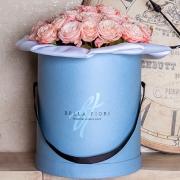 Пионовидные кустовые розы «Мадам бомбастик»