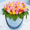 Тюльпаны разноцветные в коробке