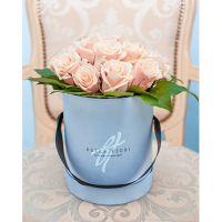 Коробка мини с кремовыми розами