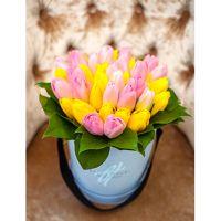 Коробка  с тюльпанами малая