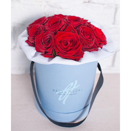 Бордовые розы в мини-коробке
