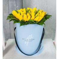 Коробка от Bella Fiori с желтыми тюльпанами