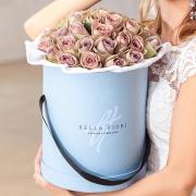 Розы необычного цвета в коробке