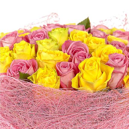 51 роза: розовая и желтая