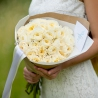 Душистые белые пионовидные розы Дэвида Остина