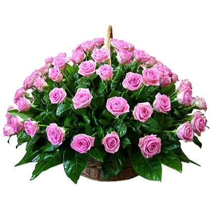 Корзина из 101 розовой розы «Аква»