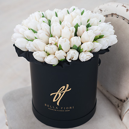 Белые тюльпаны в коробке Royal