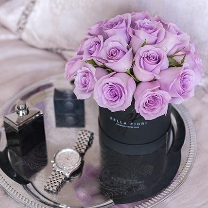 Сиреневые розы в коробке Baby