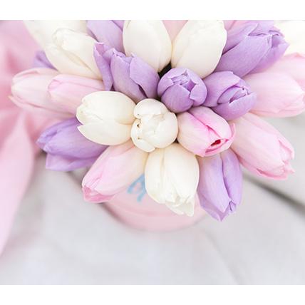 Нежный микс из тюльпанов в коробке Baby