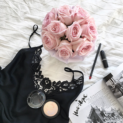 Пионовидные розы Pink O'hara в коробке Small