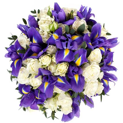 Букет из ирисов и кустовых роз №19