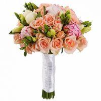 Букет из кустовых роз с пионами №33