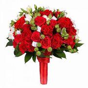 Свадебный букет невесты из кустовых роз с фрезией №34