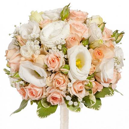 Свадебный букет невесты из кустовых роз с эустомой №35