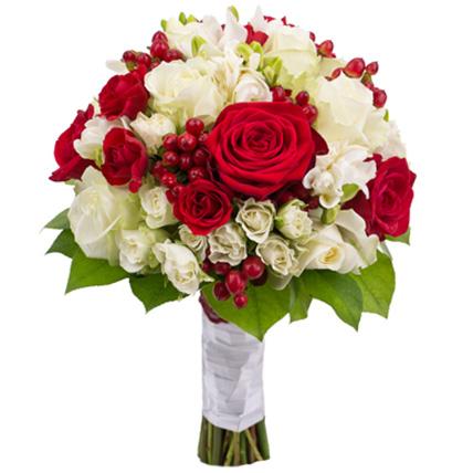 Букет из роз и фрезии №40