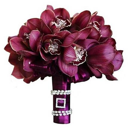 Букет с бoрдовыми орхидеями №57