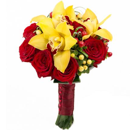 Букет с желтыми орхидеями и розами №65