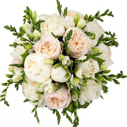 Свадебный букет невесты с пионами и фрезией №82