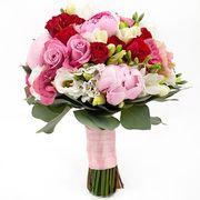 Свадебный букет с пионами и кустовыми розами №86
