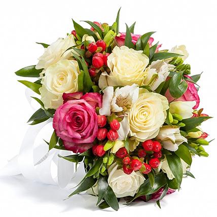 Свадебный букет невесты с розами и альстромериями №123