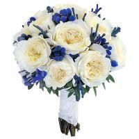 Букет с белыми пионовидными розами Остина №154
