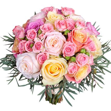 Букет с разноцветными кустовыми розами №162