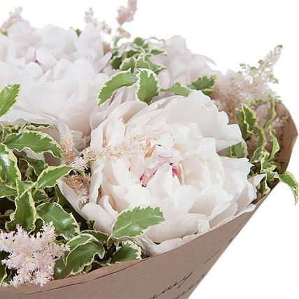 Букет из 5 пионов нежно-розовых «Амели»