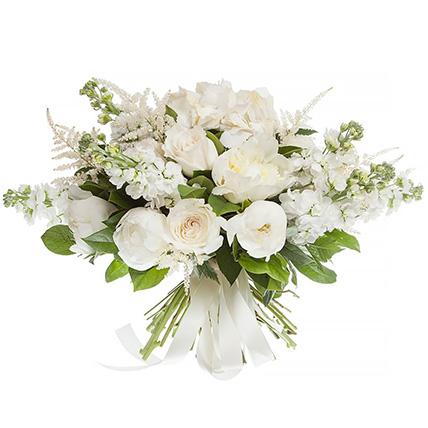 Букет с пионами и розами «Белла»