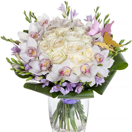 Букет с орхидеями и фрезиями «Свадебный вальс»