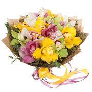 Букет с разноцветными орхидеями «Дыхание лета»
