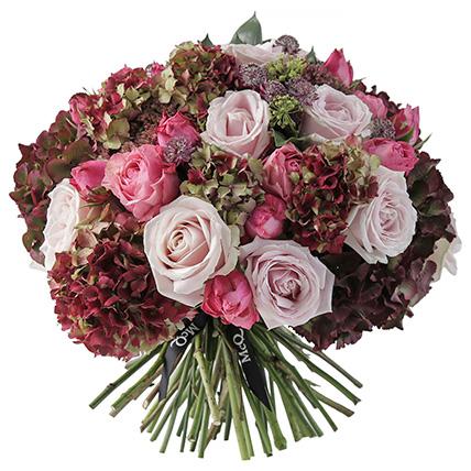 Букет с розами и гортензией «Бриджит»