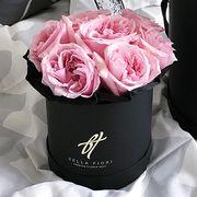 Пионовидные розы Остина «Miranda» в черной коробке Small