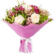 Букет с альстромерией и розами «Маршмеллоу»