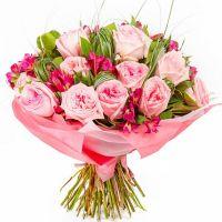 Букет с альстромерией и розами «Парижские тайны»