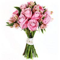 Букет с альстромерией и розовыми розами «Воздушный поцелуй»