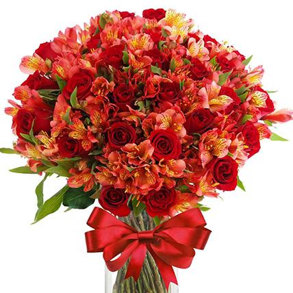 Букет с альстромерией и розами «Преображение»