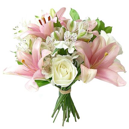 Букет с альстромерией и лилиями «Ароматный цветок»