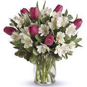 Букет с альстромерией и тюльпанами «Акварель»