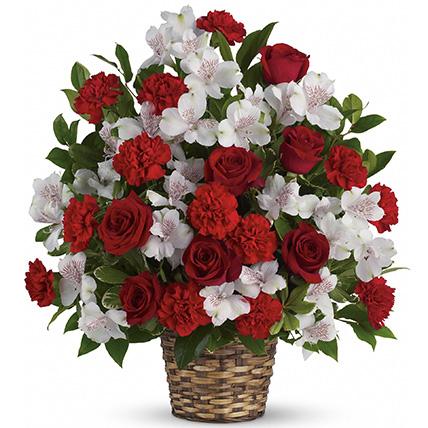 Корзина с альстромерией и розами «Бордо»
