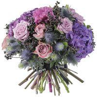 Букет с розами и гортензией «Флёр де лис»