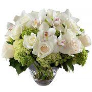 Букет с розами, орхидеей и гортензией «Двенадцать месяцев»