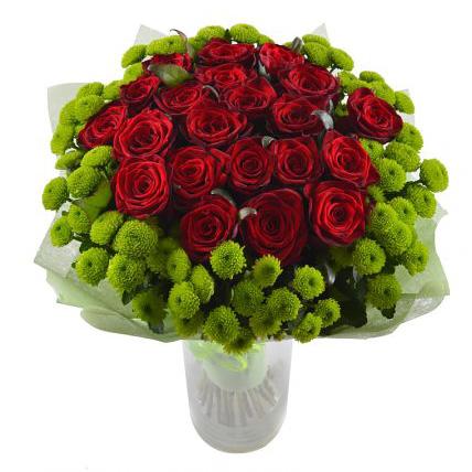 Букет с хризантемами и розами «Свежесть»