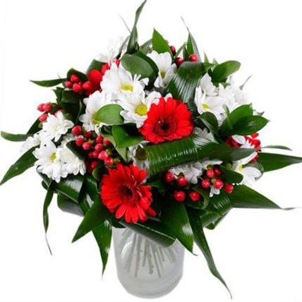 Букет с герберами и хризантемами «Танго»