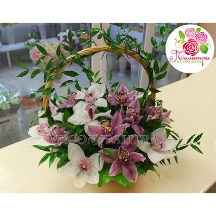 Корзина с орхидеями малая