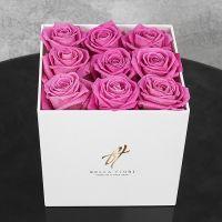 Розовые розы в белой коробке GlassBox Small
