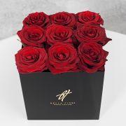 Красные розы в черной коробке GlassBox Small