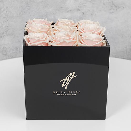 Кремовые розы в черной коробке GlassBox Small