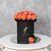 Розы «Черри бренди» в черной коробке Royal
