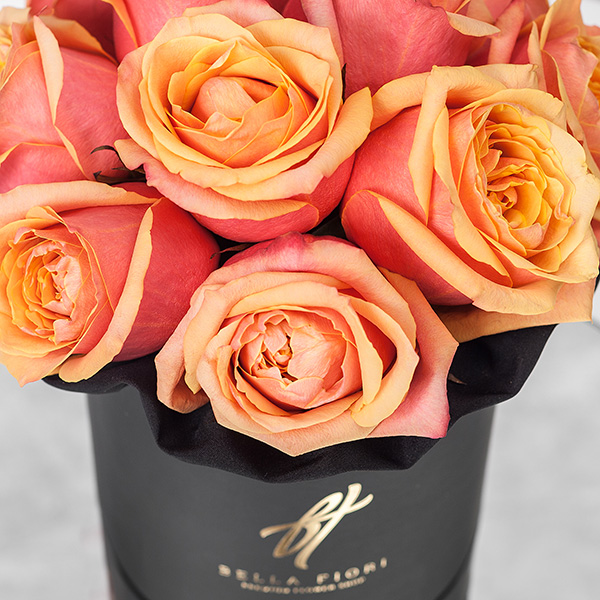 Розы «Черри бренди» в черной коробке Small